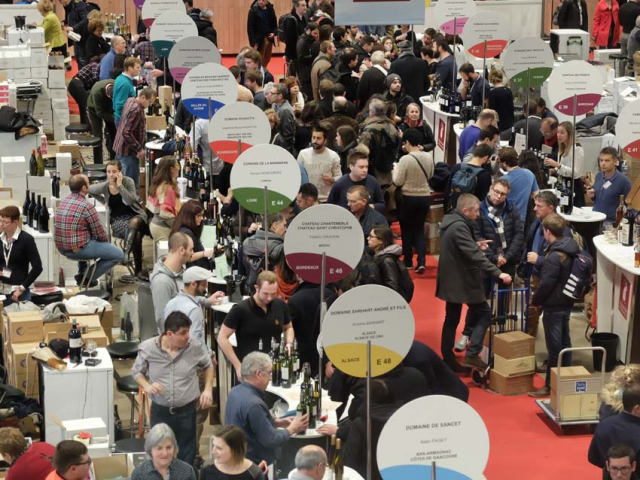 1paris_wine_fair_stands