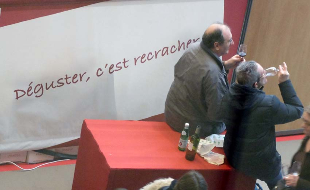 1paris_wine_fair_tasting_is_spitting