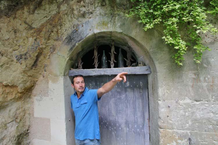 1renaud_guettier_door_cellar