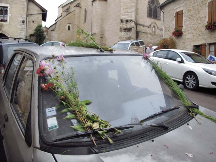 1derain_harvest_end_pickers_car