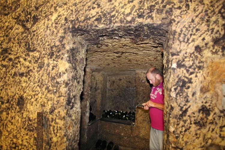 1olivier_bellanger_small_cellar_room_in_rock
