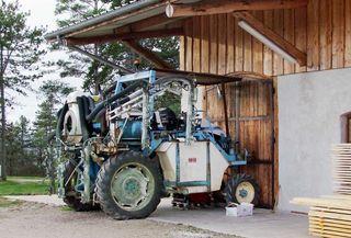 1ruppert-leroy_spraying_tractor