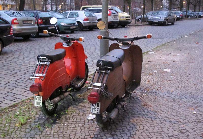 1berlin_DDr_mopeds_simson