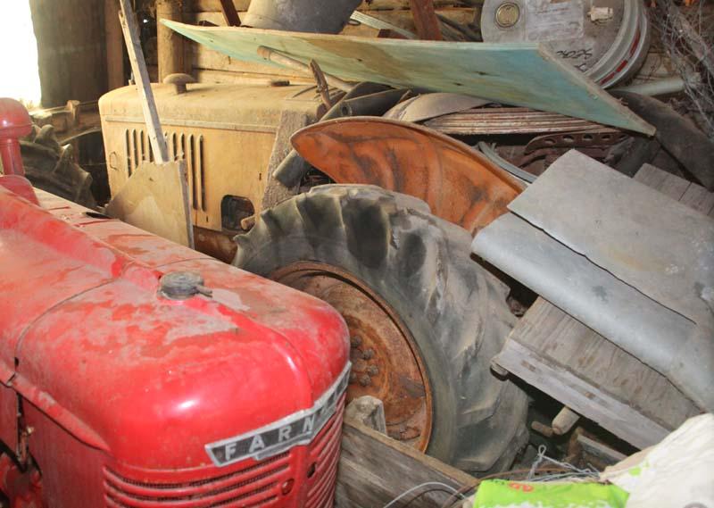 1christian_venier_vintage_renault_tractor