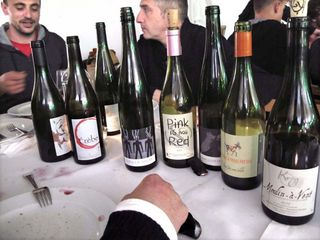 1wein_salon_naturel_diner_de_vignerons_bottles