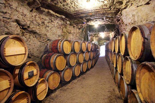 1bernard_baudry_barrel_cellar_cave
