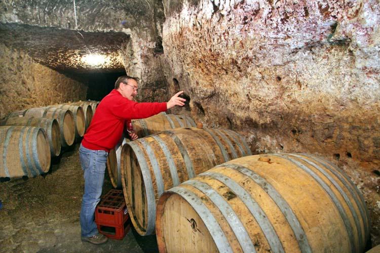 1bernard_baudry_cliff_cellar
