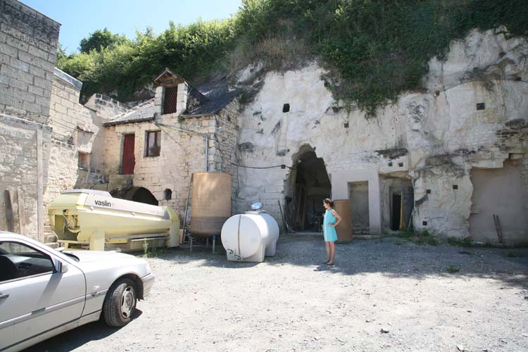 1sebastien_bobinet_cellar_sandstone_cliff