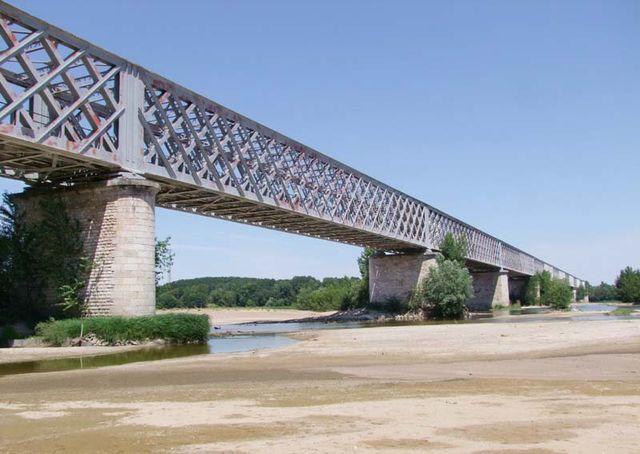 1saumur_eiffel_railroad_bridge