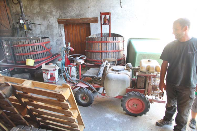 1reynald_heaule_pressoirs_mini-tracteur