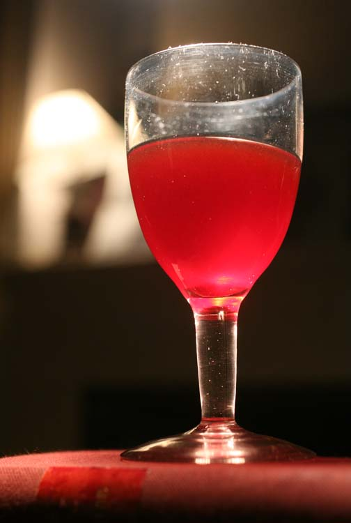 1wine_in_old_glass