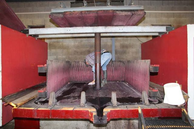 1yvon_metras_pressing_readying_the_press