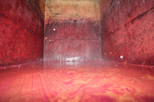 1yvon_metras_pressing__fermenter_empty