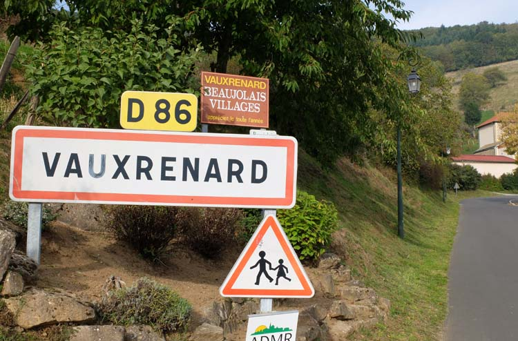 1michel_guignier_vauxrenard_beaujolais_road_sign