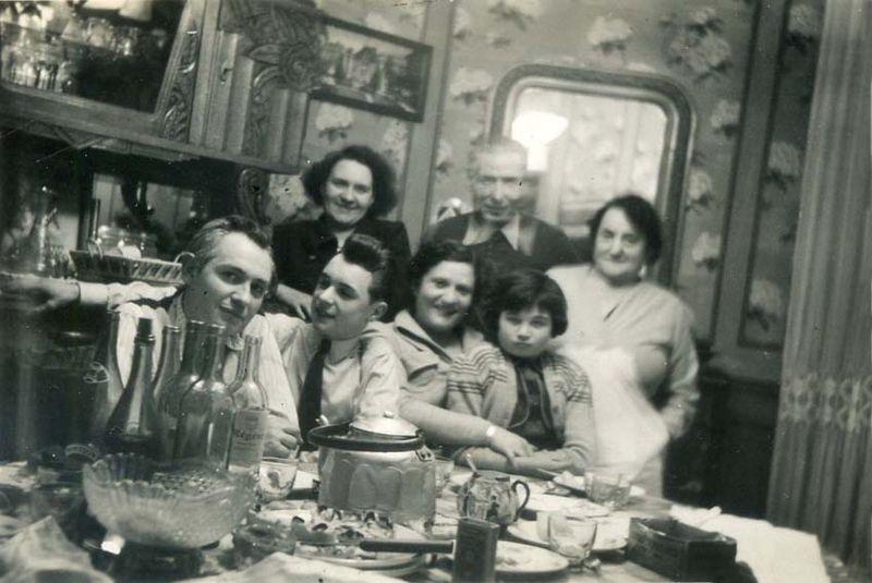 1wine_scenes_end_of_meal_est1960