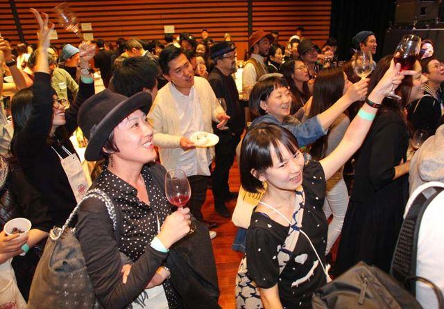 1festivin2015_public_cheering_musicians