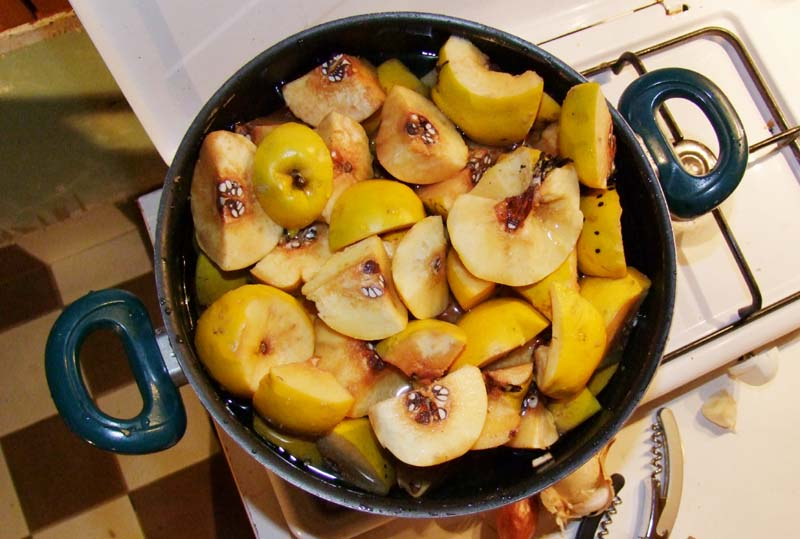 1coings_quince_jelly_full_pot
