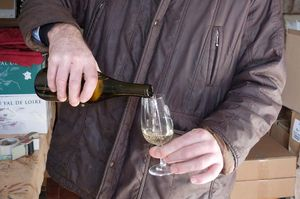 1andre_fouassier_touraine_unmarked_bottle_of_white