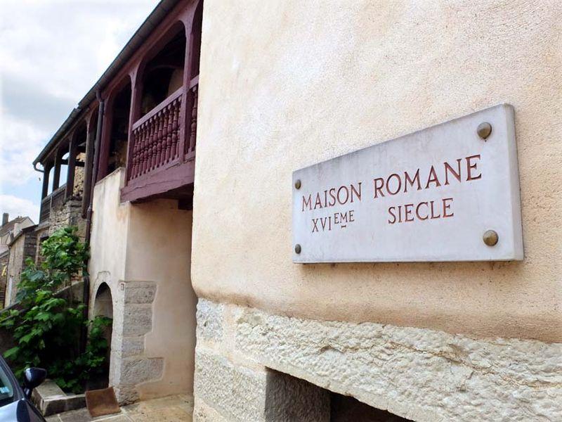 1maison_romane_burgundy_vosne-romanee