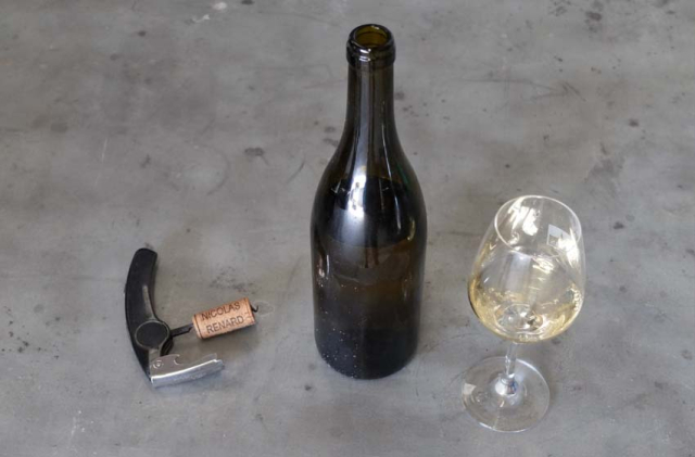 1nicolas_renard_bottle_white