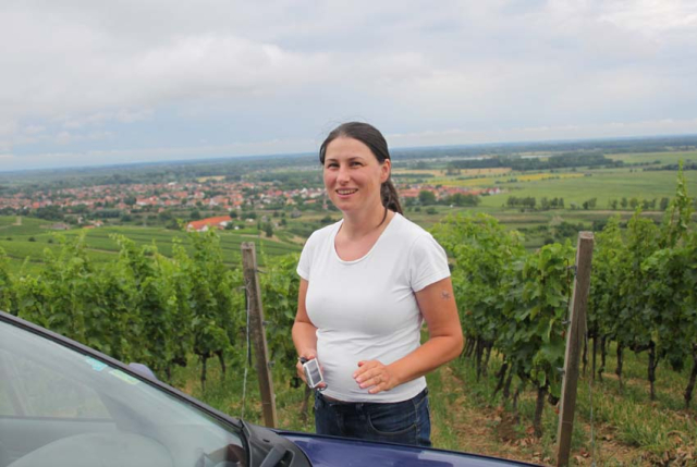 1judit_bodo_vineyard_hill