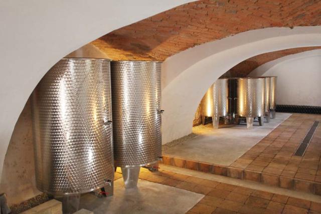 1alkonyi_laszlo_kalaka_vats_cellar