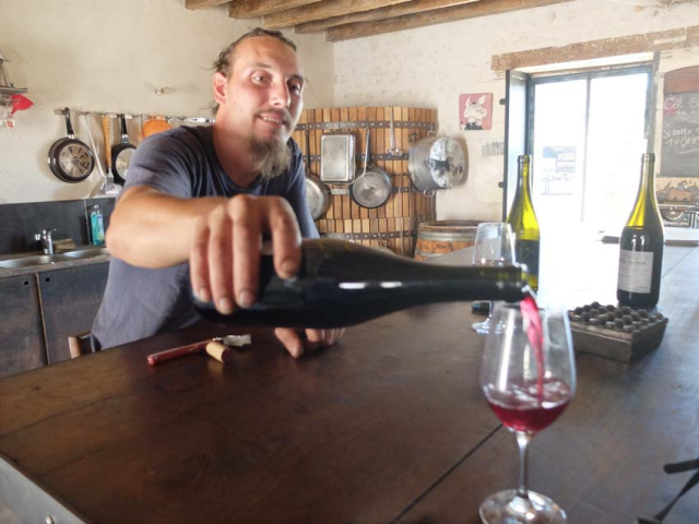 1kevin_henry_pouring_wine