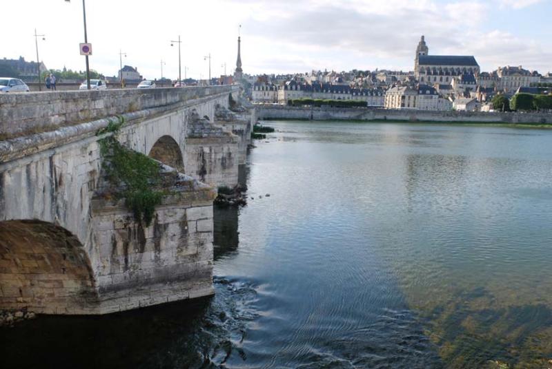 1blois_loire_bridge