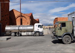 1armenia_wine_factory_trucks