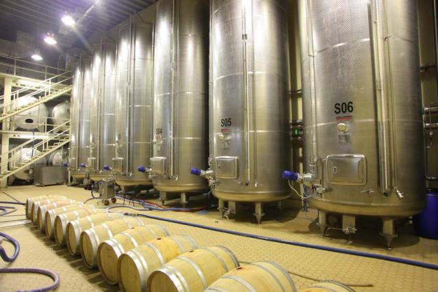 1armenia_wine_factory_charmat_system_sparkling