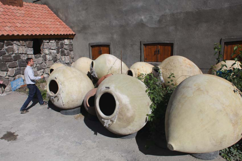 1voskevaz_winery_karas_clay_vessels