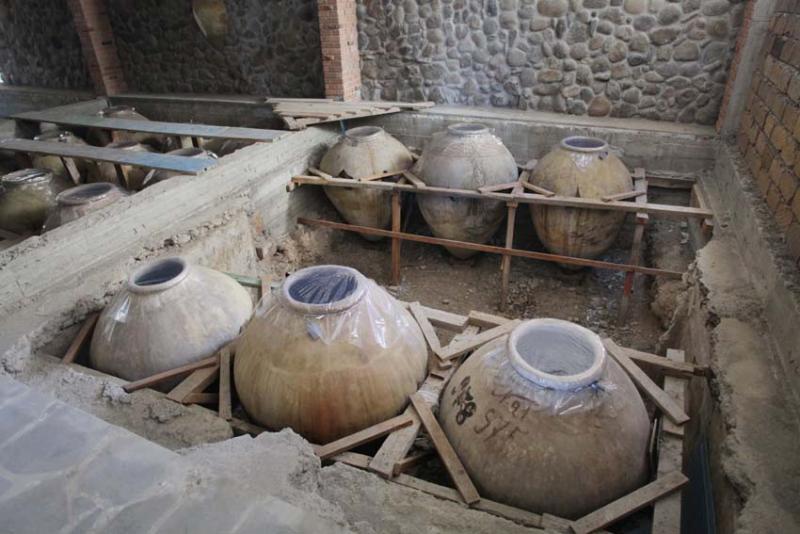 1voskevaz_winery_karas_cellar
