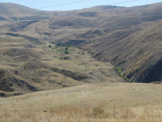 1areni_road_up_mountains