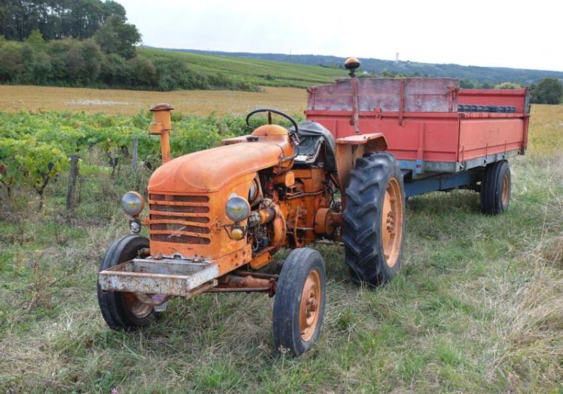 1bruno_allion_tractor_renault1950