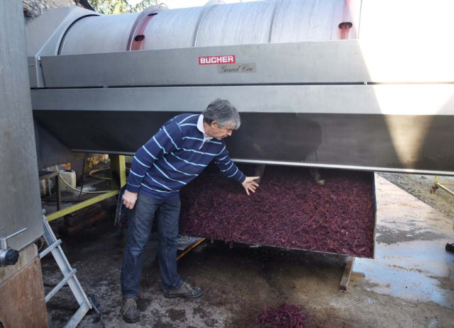 1andre_fouassier_gamay_pomace