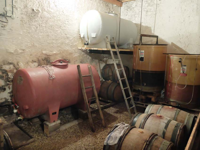 1christophe_foucher_cellar_casks_vatroom