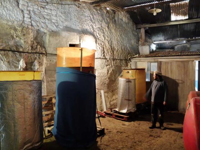 1sylvain_leest_vatroom_cellar_door