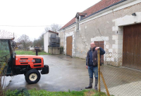1laurent_saillard_new_facility_tractor