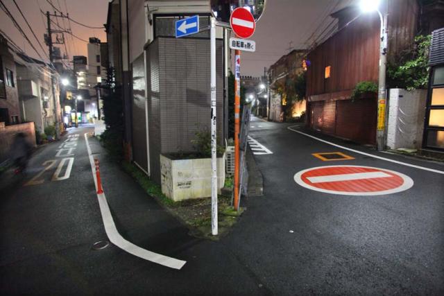 1tokyo_merging_streets_roppongi