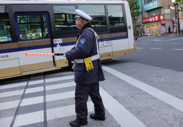 1tokyo_traffic_baton