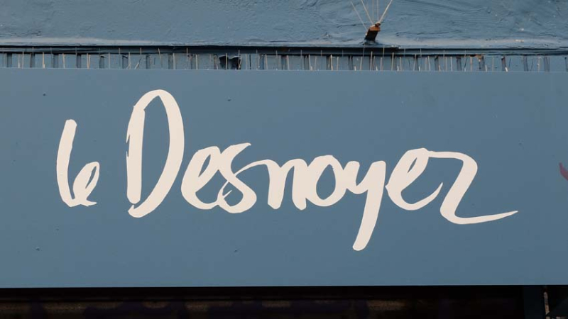1le_desnoyez_restaurant_sign