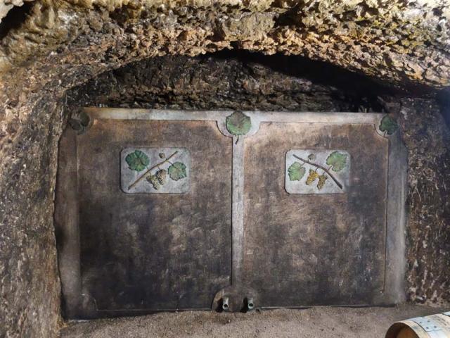 1frantz_saumon_cement_vat_cellar