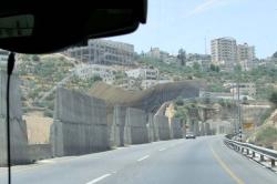 1hebron_anti_shooting_walls