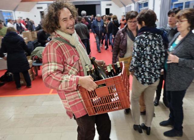 1villebarou_bottles_on_the_move