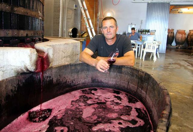 1jc_lapalu_beaujolais_tasting_press_juice