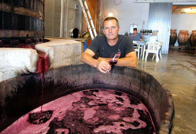 1jc_lapalu_beaujolais_tasting_press_juice