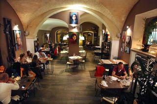 1sassari_wine_bar_bellabe_room