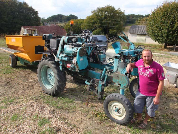 1olivier_bellanger_straddle_tractor_gondola