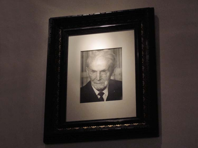 1berlin_Weinbar_ottorink_grandfather_portrait