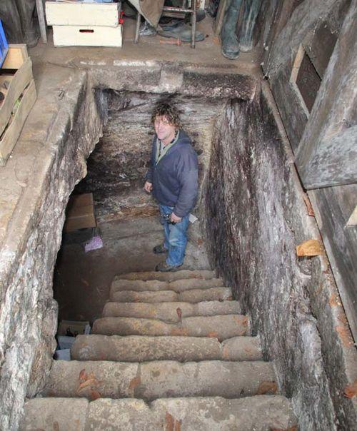 1christian_venier_going_down_to_cellar